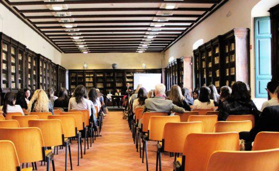 auditorium-restaurant-workshop-meeting-meal-training-618609-pxhere.com
